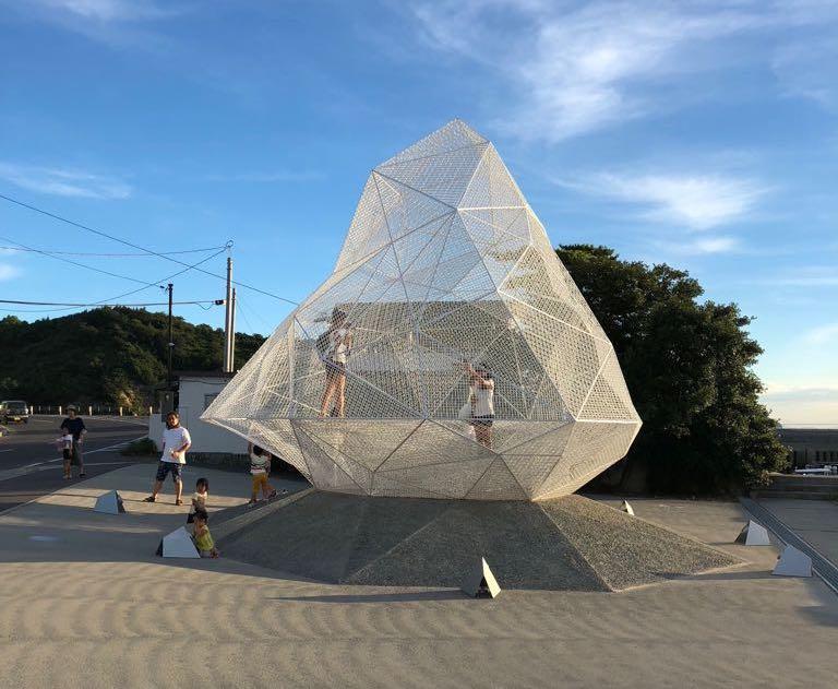 japanese artists beach short